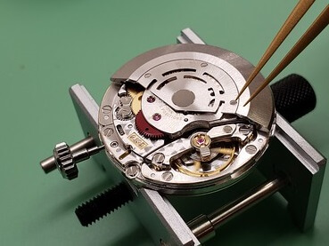 Caliber 3135 fake automatic movement